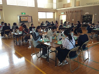 ふれあい給食会20150119 会食.jpg