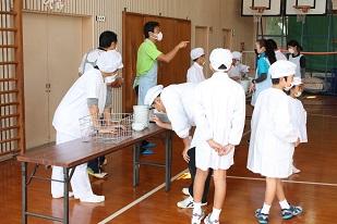 ふれあい給食2014 準備.jpg