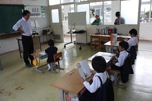 授業参観1208 1・2年生.jpg