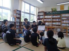 親子読書 ブログ用.JPG